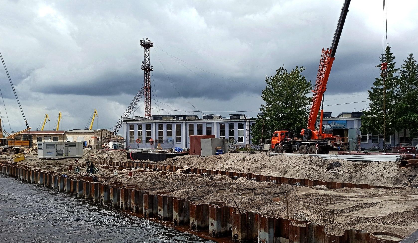 Работа по реконструкции заводских набережных выходит на новый этап